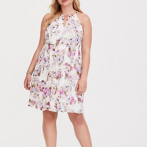 torrid Dresses & Skirts - Torrid Ivory Floral Dress